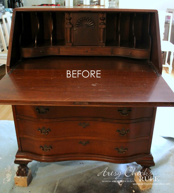 Secretary Desk Makeover (Chalk Paint® by Annie Sloan) - BEFORE of inside -#MadeItMyOwn #sp #chalkpaint artsychicksrule