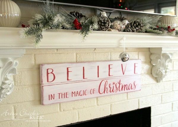 DIY Believe in the Magic of Christmas Sign - Believe - #artsychicksrule #Christmassign #believesign #homeforchristmas