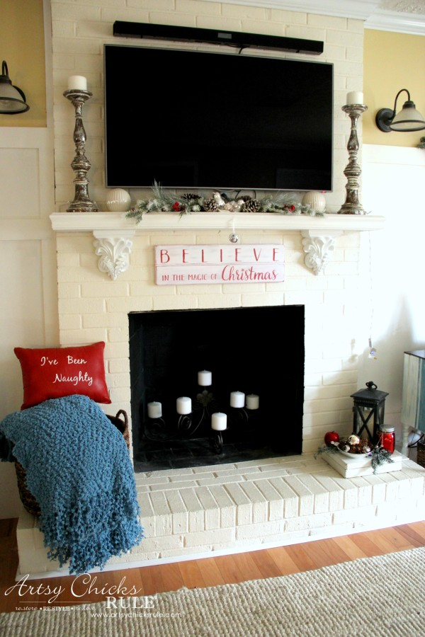 DIY Believe in the Magic of Christmas Sign - Without Lights - #artsychicksrule #Christmassign #believesign #homeforchristmas