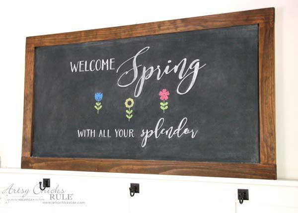 DIY Farmhouse Inspired Chalkboard - Spring Chalkboard Art - artsychicksrule
