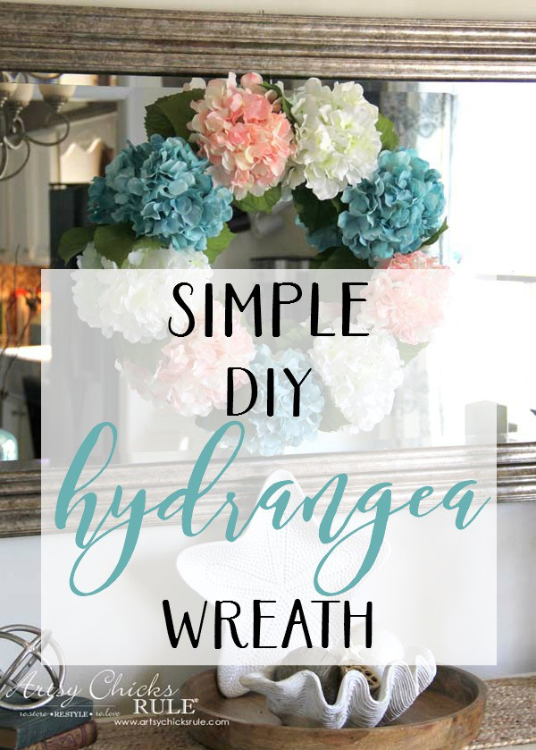 This really looks so simple!! MUST try it!! artsychicksrule.com #hydrangeawreath