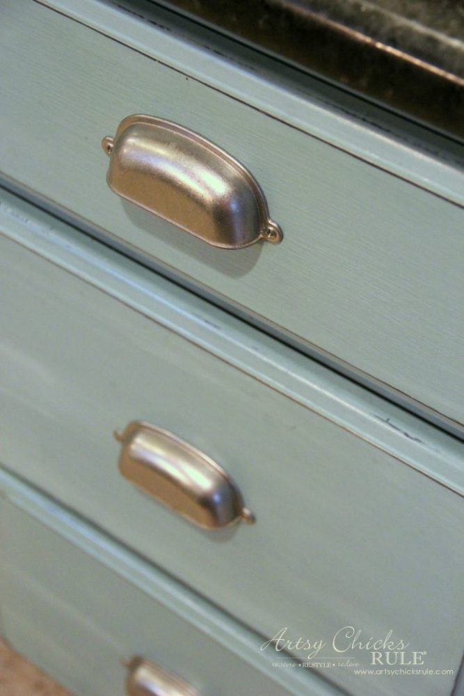 My Chalk Painted Cabinets - 4 Years Later!!! artsychicksrule.com
