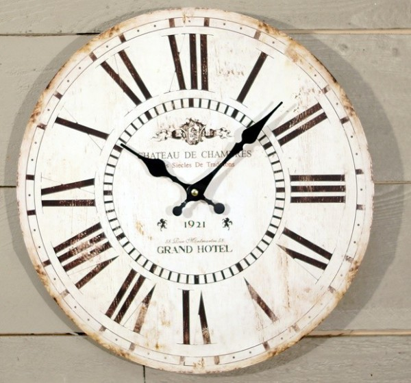 wood-round-clock-white