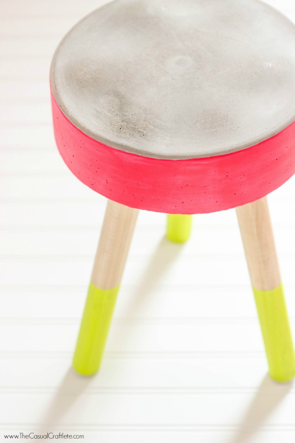 DIY-Concrete-Stool