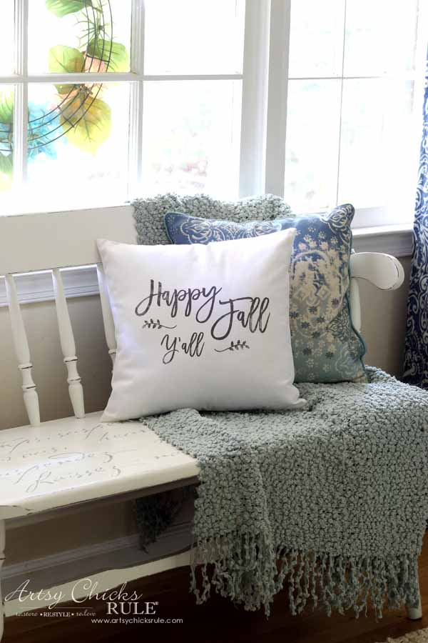 DIY Fall Pillows and Free Printables - Happy Fall Y'all pillow - artsychicksrule #freeprintables #fallpillow #fallsayings