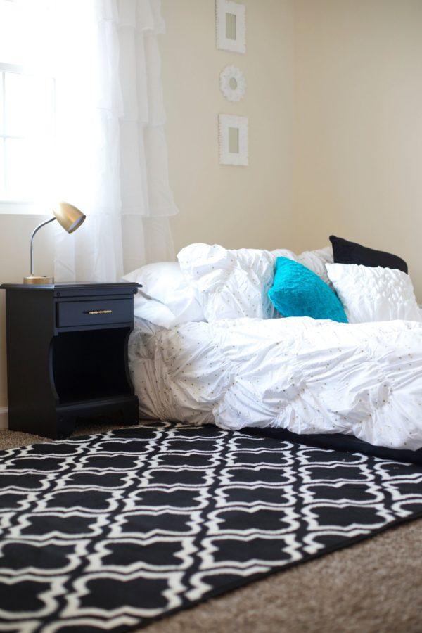 GMC Worlds Longest Yardsale - bedding and rug - #artsychicksrule #worldslongestyardsale
