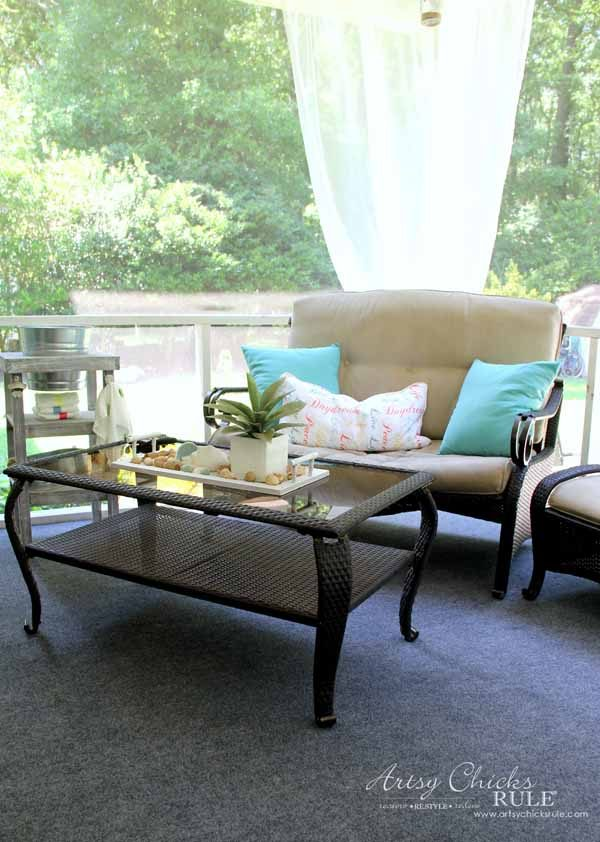 Screened porch patio makeover artsy chicks rule for Furniture yard sale