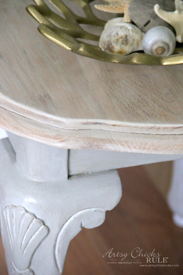 Coastal Styled Table with General Finishes Chalk Style Paint - CLOSE UP- artsychicksrule.com #chalkstylepaint #generalfinishes