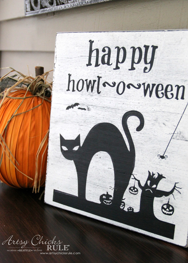 DIY Halloween Sign - artsychicksrule.com - #freeprintable #halloweenrprintable #halloweensign