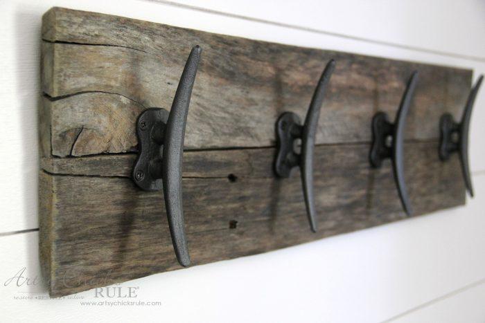 Easy DIY Nautical Pallet Wood Coat Rack